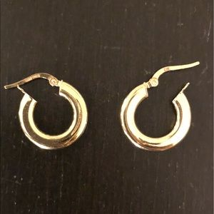 Small 14k golf hoop earrings, made in Italy